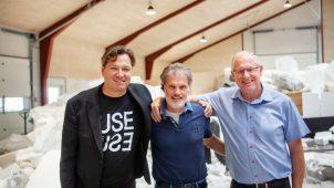 Fra venstre: Martin Bekken, Managing Director hos BEWiSynbra Circular AB, Per Faber, ejer af Eurec og Finn Brödlös, Senior Advisor hos BEWI FLAMINGO.